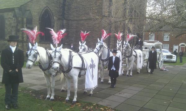 gypsy-horse-drawn-funerals2