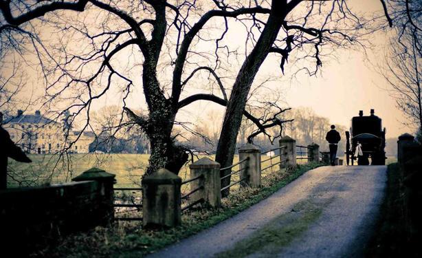 horse-drawn-funerals-black-hearse-2